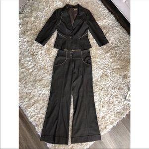 Woman's Suit, two piece, blazer, Size 8, bebe